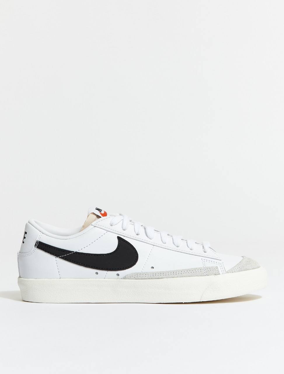 DA6364-101 NIKE BLAZER LOW WHITE BLACK