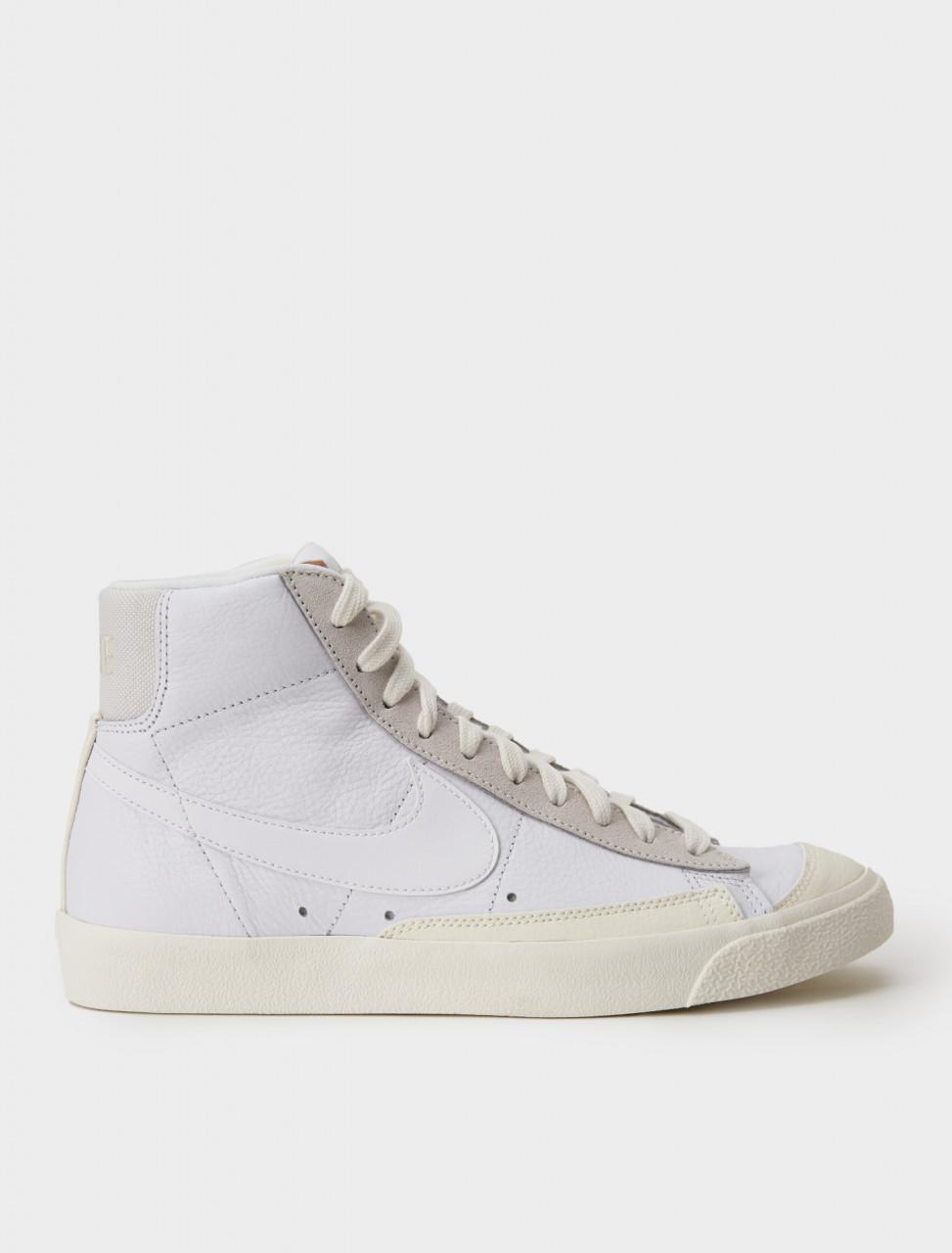 Nike Blazer Mid Vintage '77 Sneaker in White & Platinum Tint
