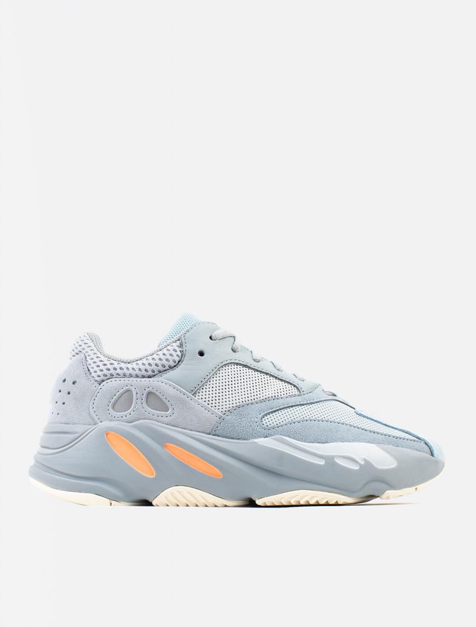 Yeezy Boost 700 Sneaker