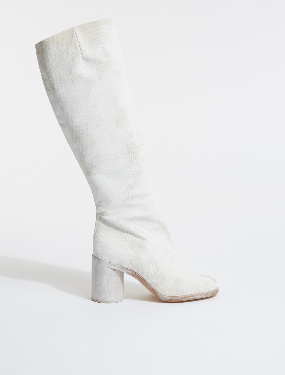 S34WW0057 MAISON MARGIELA TABI KNEE HIGH BOOTS IN WHITE SAND