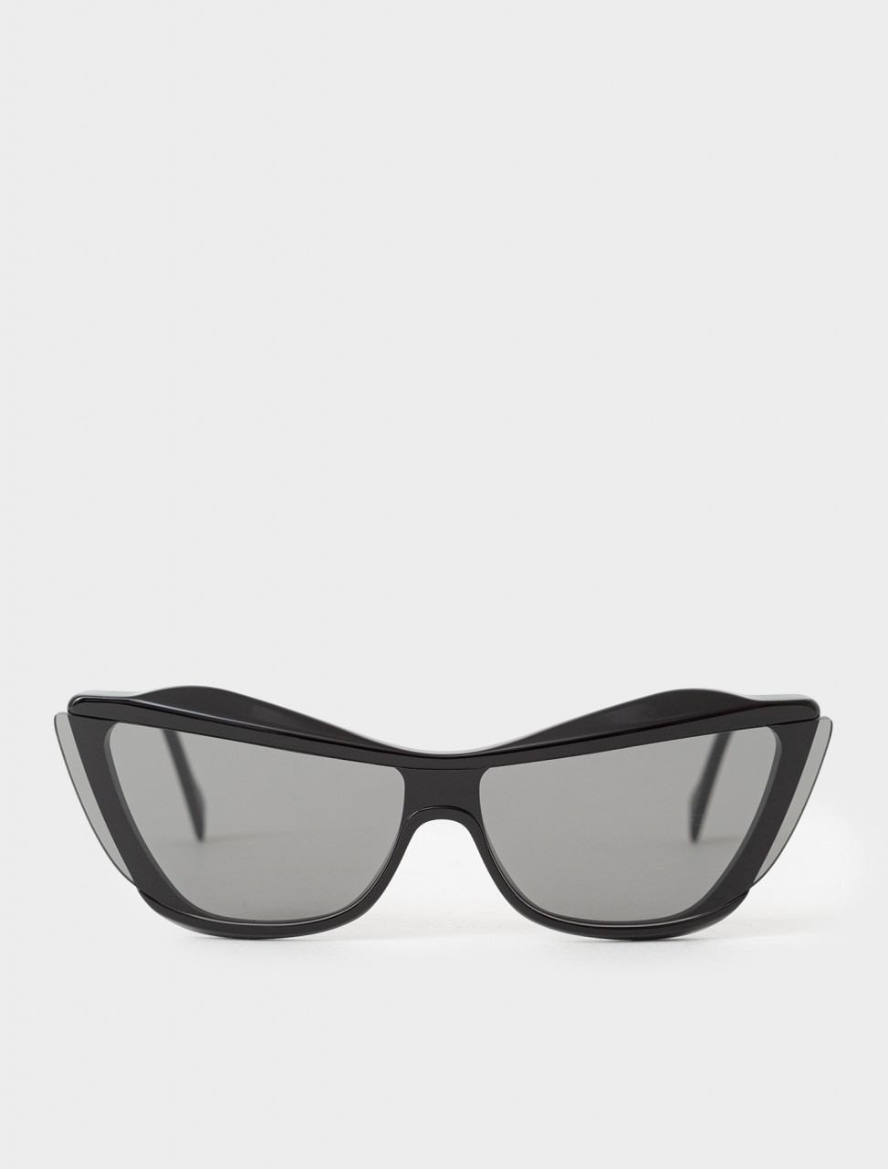 Gretl Cat-Eye Sunglasses in Black