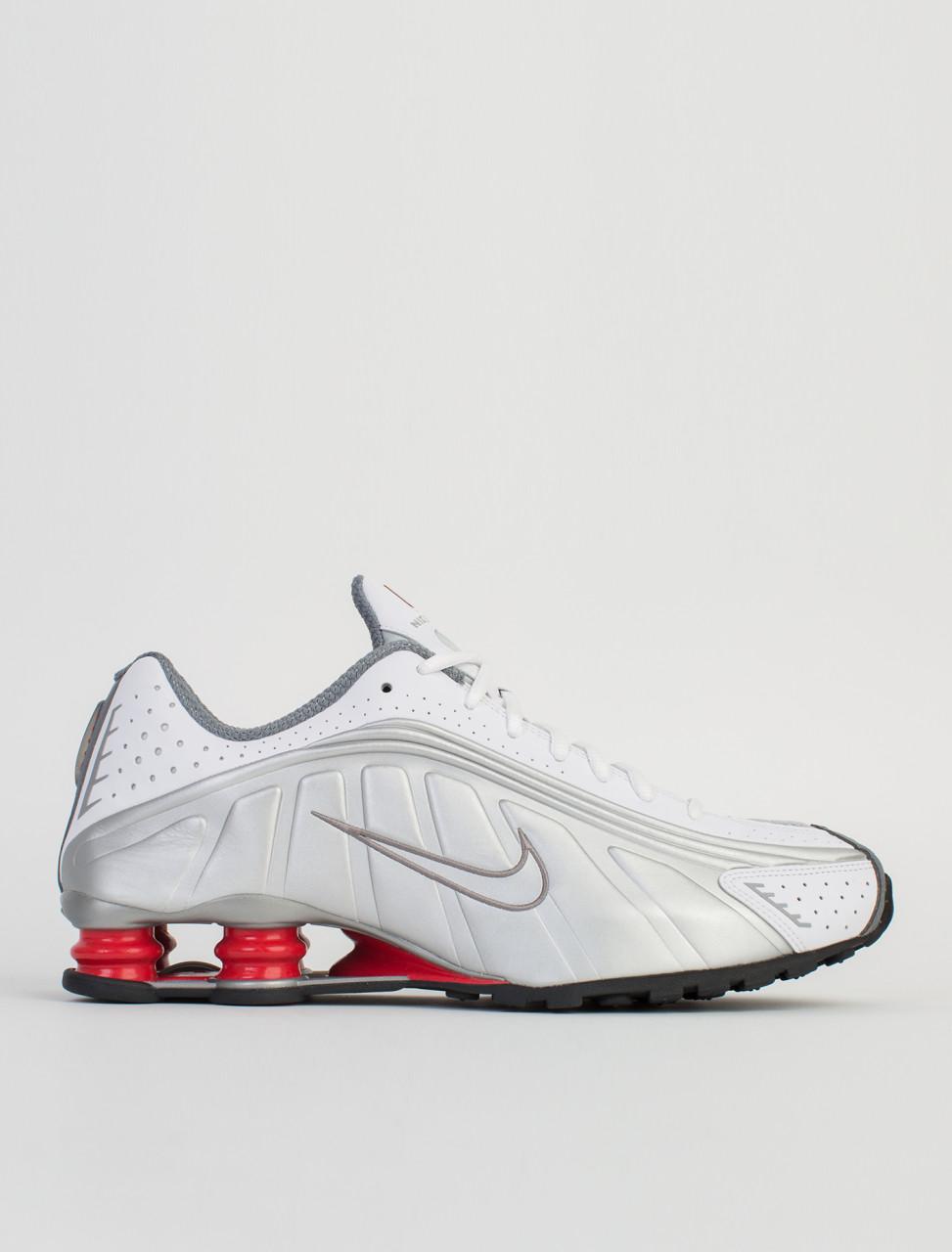 Nike Shox R4 Sneaker