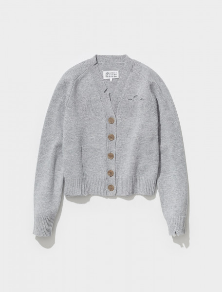 S51GP0238_S17486_857M MAISON MARGIELA KNITTED CARDIGAN IN LIGHT GREY