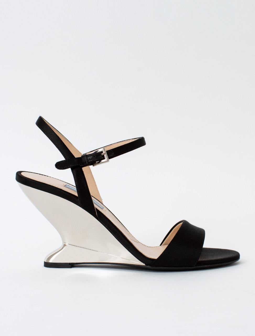 Satin Heel in Black