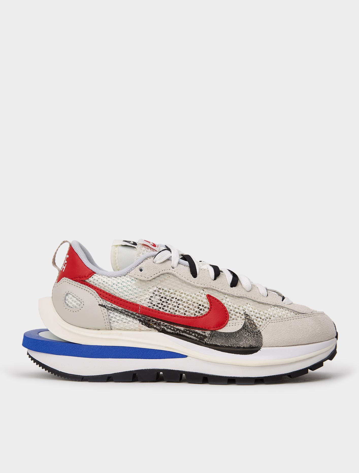 Nike x Sacai Vaporwaffle Sneaker in