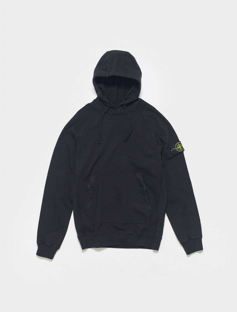 MO741563860-V0029 STONE ISLAND HOODIE WITH ZIP POCKET IN NERO