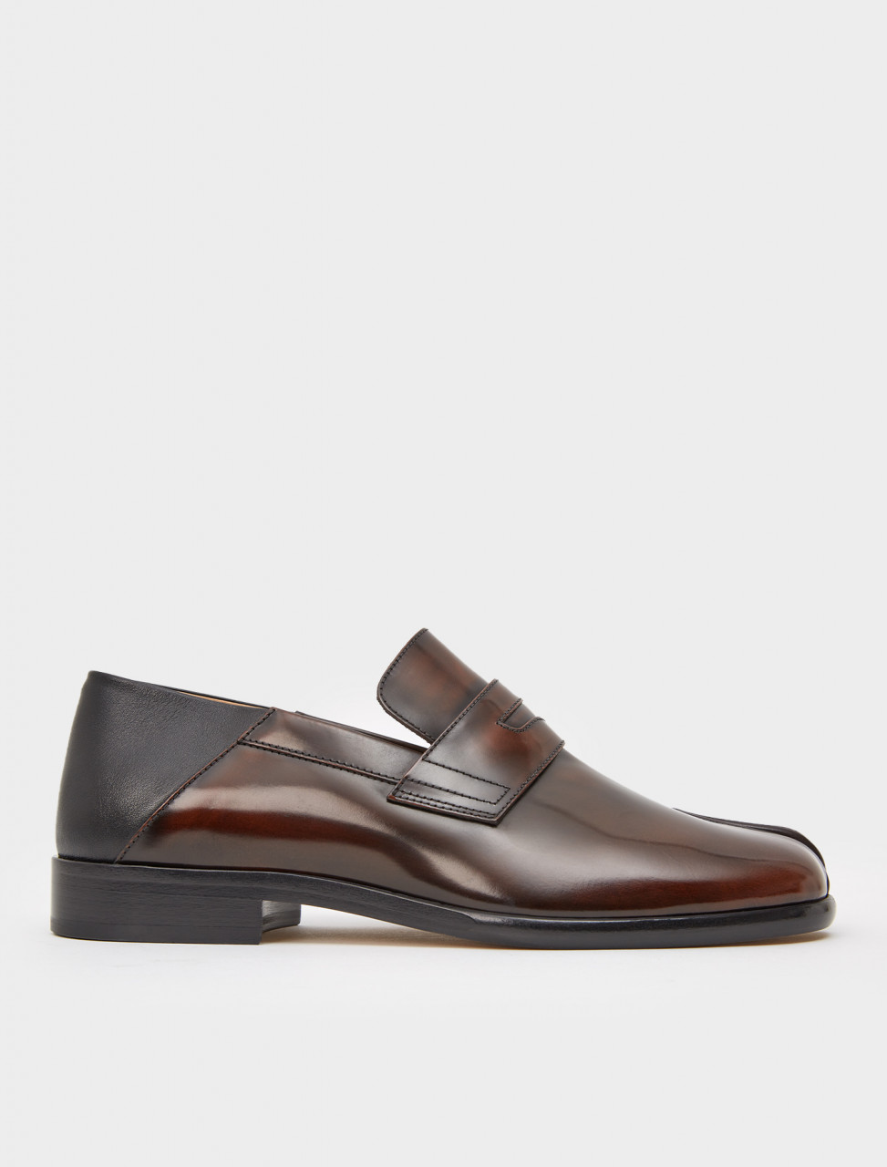 256-S37WR0176-P3716-H8323 MAISON MARGIELA TABI LEATHER LOAFERS DARK BROWN
