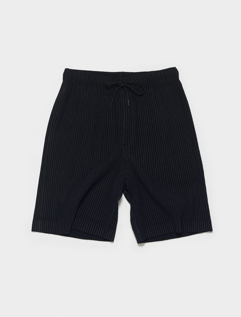 HP16JF133-15 HOMME PLISSE ISSEY MIYAKE PLEATED SHORTS IN BLACK