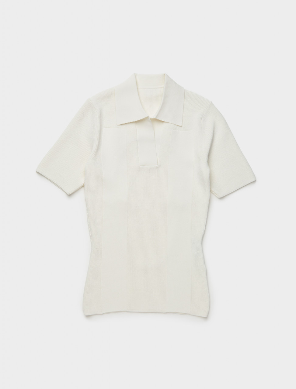 203KN59-203-202010 JACQUEMUS LA MAILLE POLO IN OFF WHITE FRONT