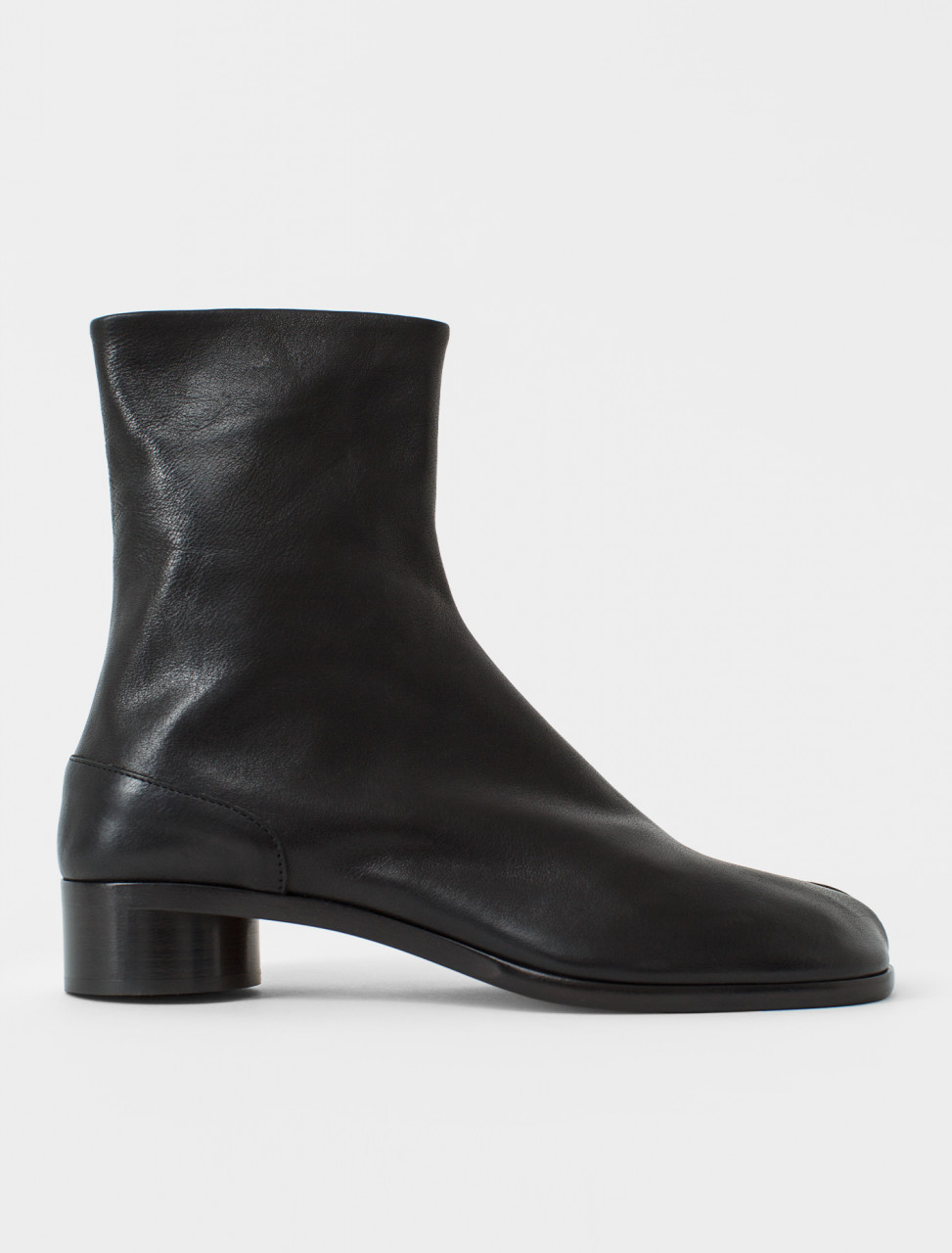 Low Heel Tabi Boot in Black