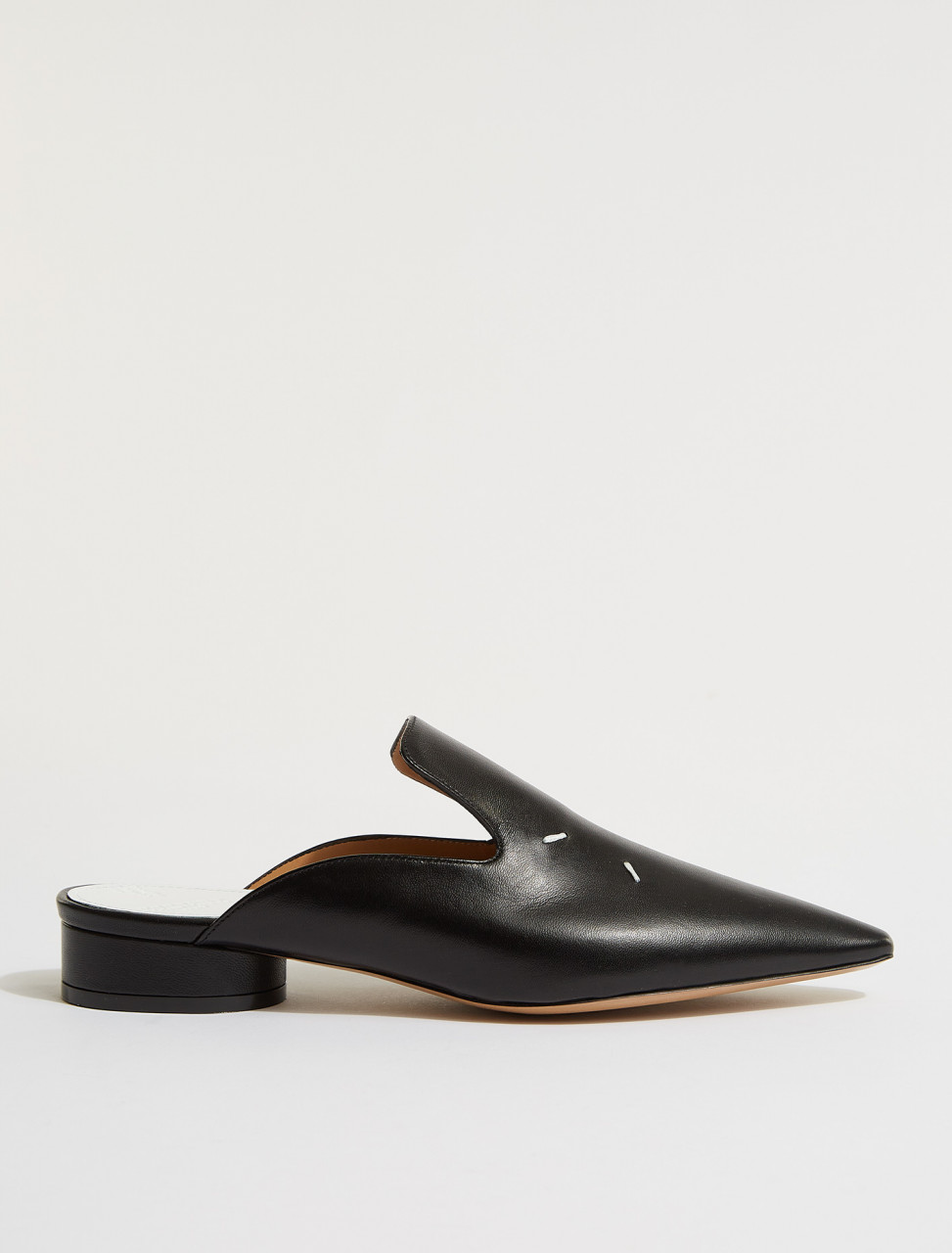 S58WX0089 MAISON MARGIELA TABI POINTY SLIP ON IN BLACK