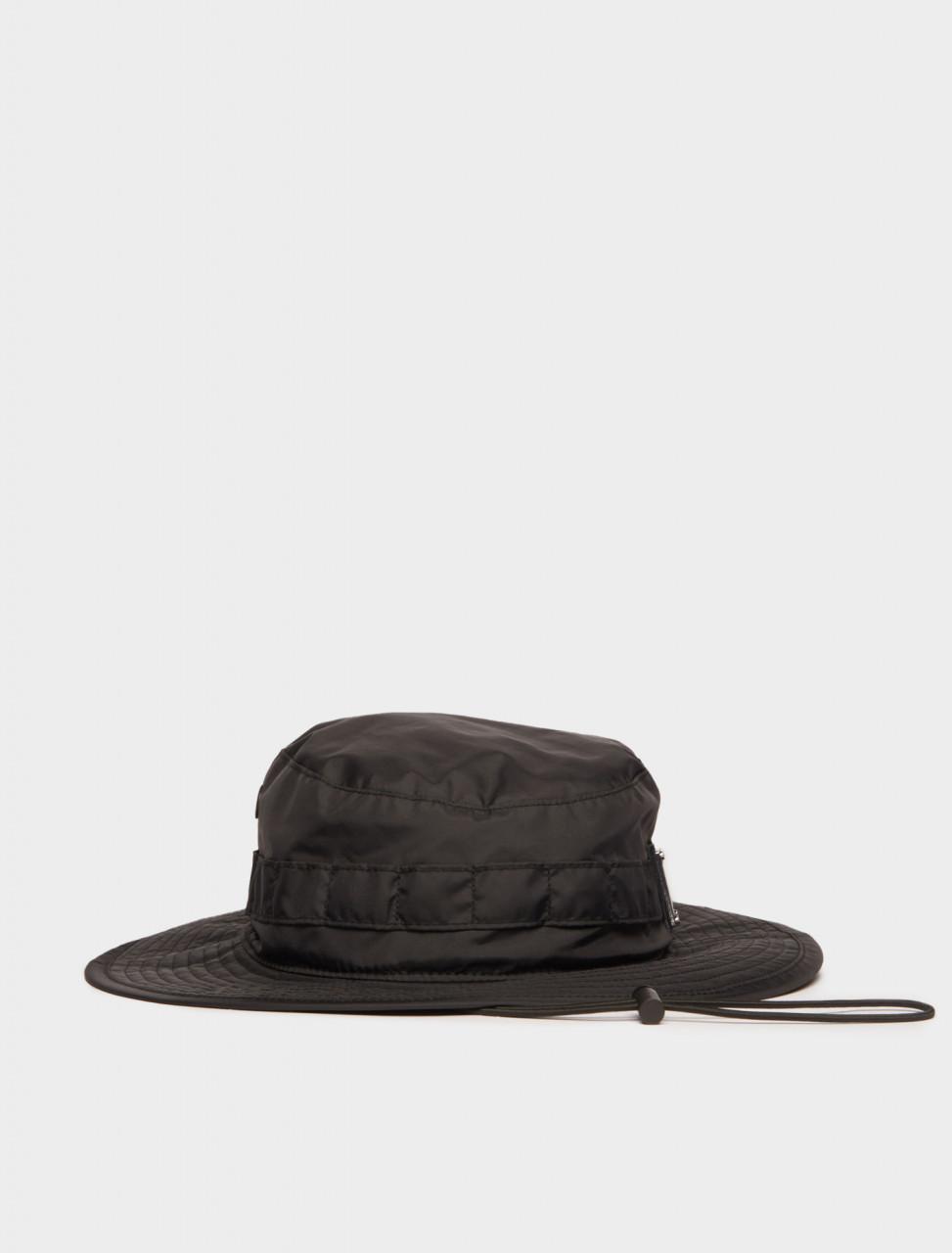 110-C40099-900 ACNE STUDIOS FACE PLAQUE BUCKET HAT IN BLACK