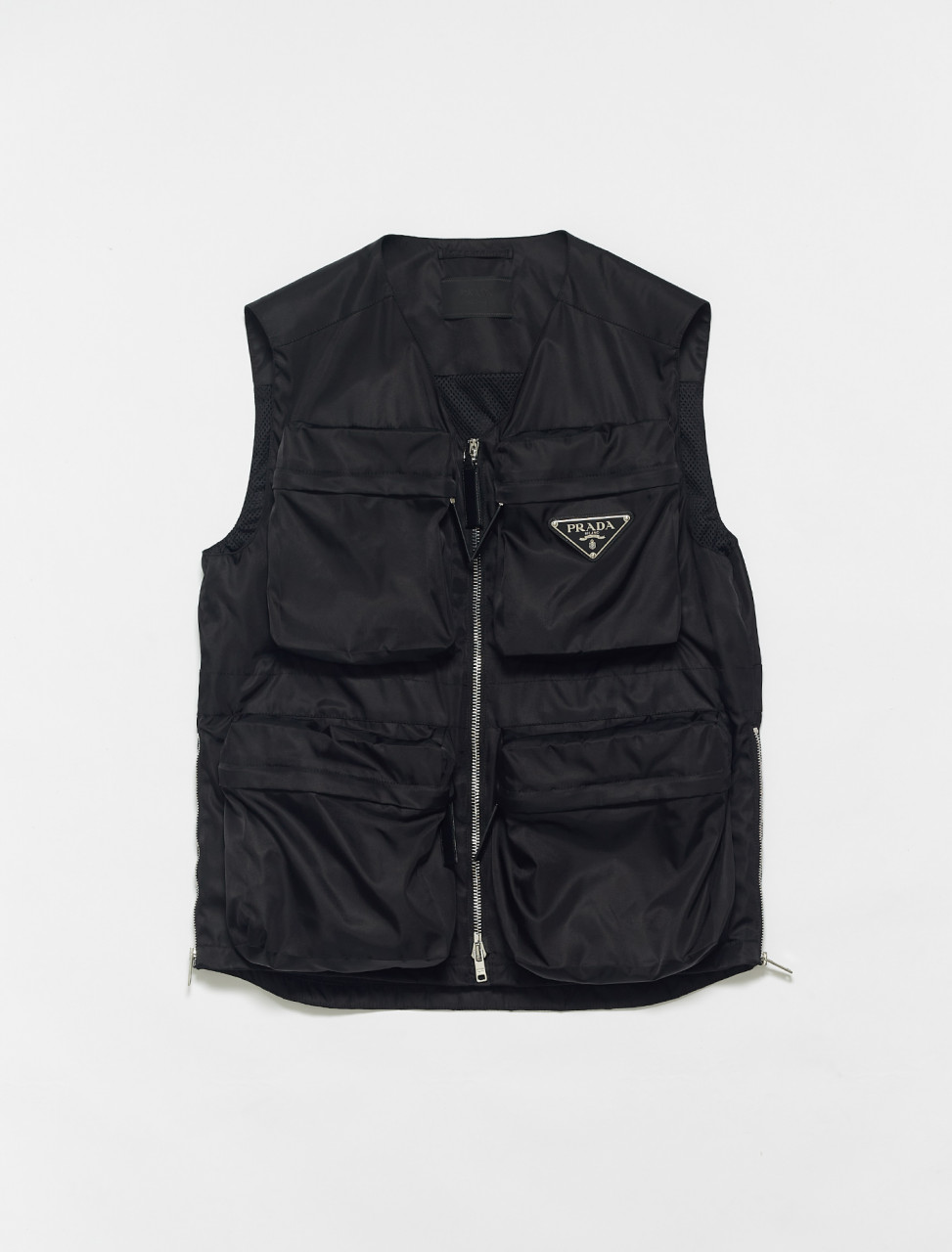 SGB653-F0002 PRADA RE NYLON VEST IN BLACK