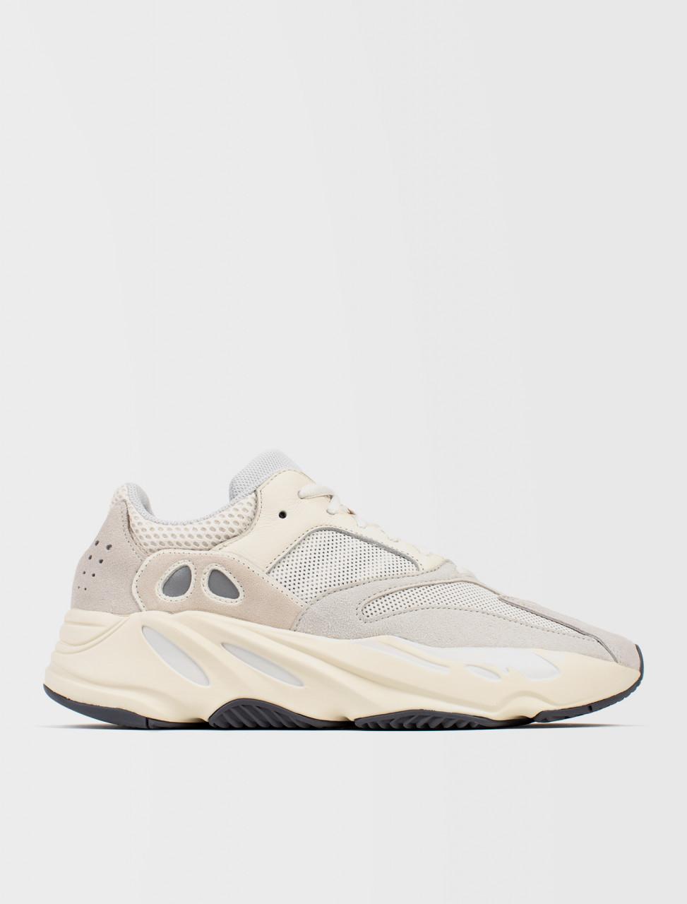 d8434ea3e Adidas Yeezy Boost 700 Sneaker
