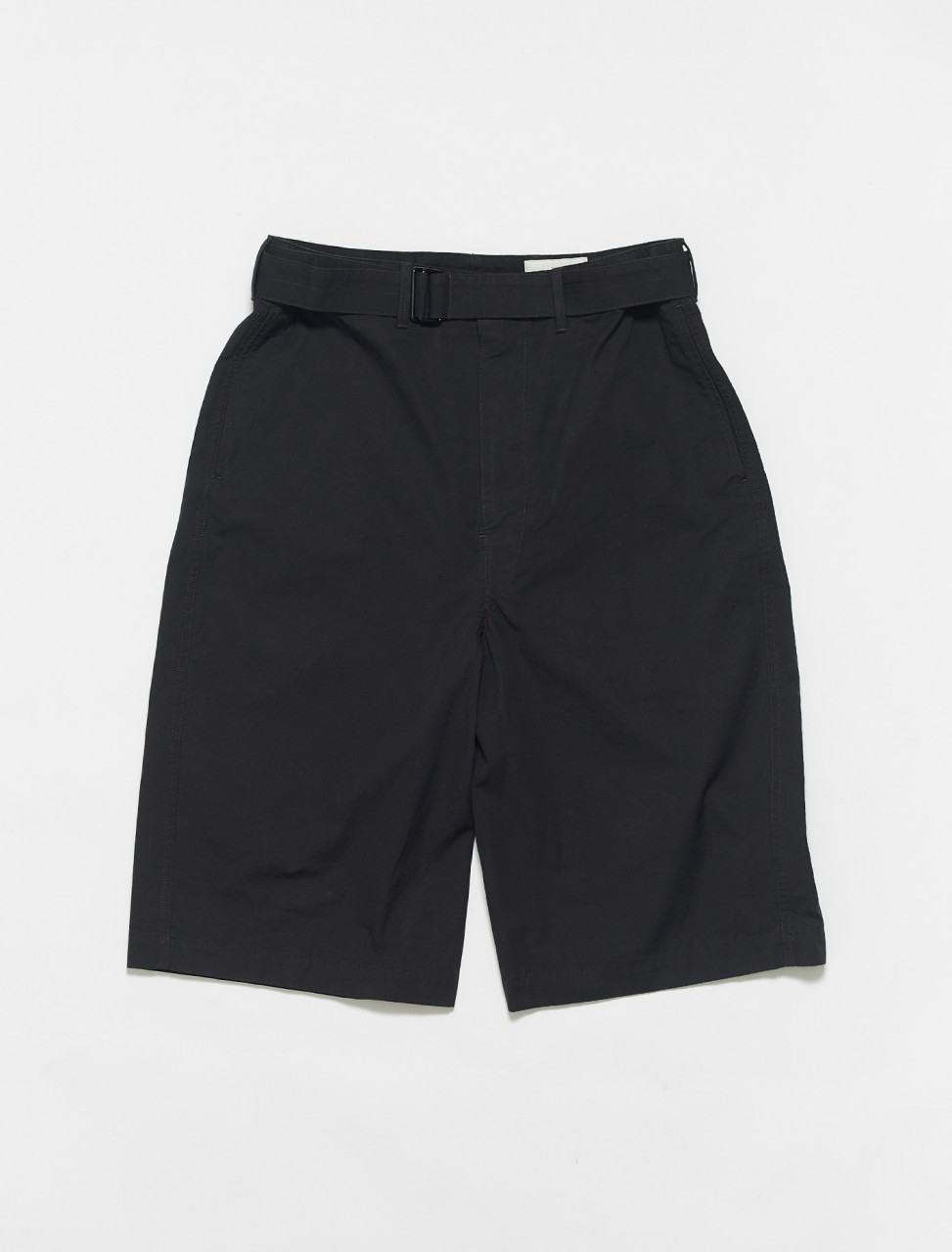 X-211-PA170-LF575-999 LEMAIRE BELTED SHORTS IN BLACK